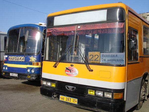рейсовом автобусе следует